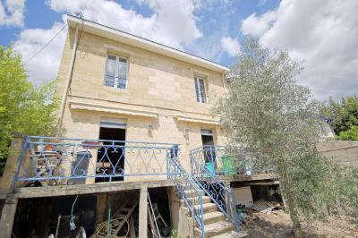Maison Bordeaux &bull; <span class='offer-area-number'>200</span> m² environ &bull; <span class='offer-rooms-number'>7</span> pièces
