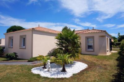 Maison Le Bignon &bull; <span class='offer-area-number'>147</span> m² environ &bull; <span class='offer-rooms-number'>5</span> pièces
