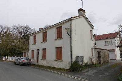 Maison La Copechagniere &bull; <span class='offer-area-number'>120</span> m² environ &bull; <span class='offer-rooms-number'>4</span> pièces