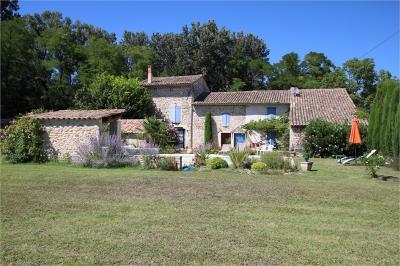 Maison Sauzet &bull; <span class='offer-area-number'>251</span> m² environ &bull; <span class='offer-rooms-number'>8</span> pièces