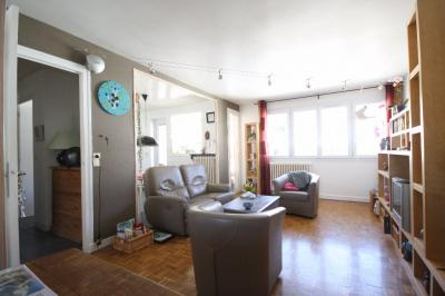 Appartement Annecy &bull; <span class='offer-area-number'>75</span> m² environ &bull; <span class='offer-rooms-number'>3</span> pièces