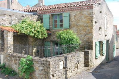 Maison Talmont St Hilaire &bull; <span class='offer-area-number'>70</span> m² environ &bull; <span class='offer-rooms-number'>3</span> pièces