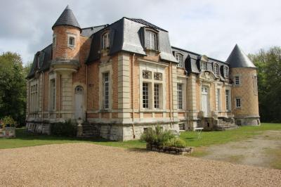 Maison Jouy le Potier &bull; <span class='offer-area-number'>531</span> m² environ &bull; <span class='offer-rooms-number'>14</span> pièces