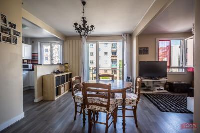 Appartement Rueil Malmaison &bull; <span class='offer-area-number'>65</span> m² environ &bull; <span class='offer-rooms-number'>4</span> pièces