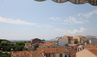 Appartement Cannes &bull; <span class='offer-area-number'>65</span> m² environ &bull; <span class='offer-rooms-number'>3</span> pièces