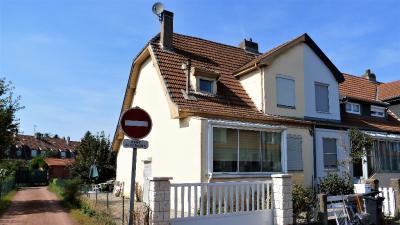 Maison Hagondange &bull; <span class='offer-area-number'>90</span> m² environ &bull; <span class='offer-rooms-number'>4</span> pièces