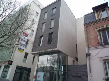 Appartement Lyon 07 &bull; <span class='offer-area-number'>18</span> m² environ &bull; <span class='offer-rooms-number'>1</span> pièce