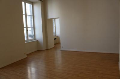 Appartement Clermont Ferrand &bull; <span class='offer-area-number'>50</span> m² environ &bull; <span class='offer-rooms-number'>2</span> pièces