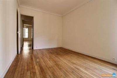 Appartement Paris 14 &bull; <span class='offer-area-number'>67</span> m² environ &bull; <span class='offer-rooms-number'>3</span> pièces