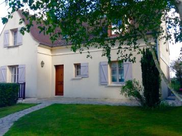 Maison Senlis &bull; <span class='offer-area-number'>145</span> m² environ &bull; <span class='offer-rooms-number'>5</span> pièces