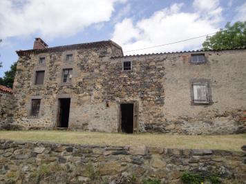 Maison St Privat du Dragon &bull; <span class='offer-area-number'>130</span> m² environ &bull; <span class='offer-rooms-number'>4</span> pièces