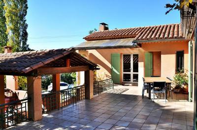 Maison Aix en Provence &bull; <span class='offer-area-number'>175</span> m² environ &bull; <span class='offer-rooms-number'>5</span> pièces