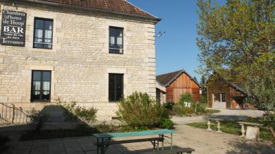 Maison Arc et Senans &bull; <span class='offer-area-number'>360</span> m² environ &bull; <span class='offer-rooms-number'>13</span> pièces