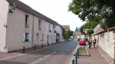 Maison Verneuil sur Seine &bull; <span class='offer-area-number'>77</span> m² environ &bull; <span class='offer-rooms-number'>4</span> pièces