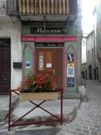 Commerce Anduze &bull; <span class='offer-area-number'>20</span> m² environ &bull; <span class='offer-rooms-number'>1</span> pièce