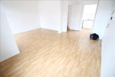 Appartement Marcq en Baroeul &bull; <span class='offer-area-number'>64</span> m² environ &bull; <span class='offer-rooms-number'>3</span> pièces
