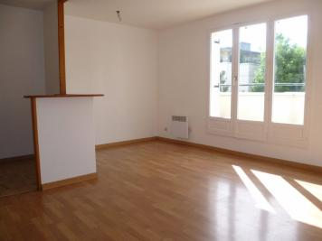 Appartement Crosne &bull; <span class='offer-area-number'>37</span> m² environ &bull; <span class='offer-rooms-number'>1</span> pièce