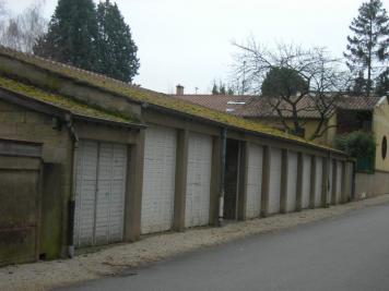 Parking Charnay les Macon &bull; <span class='offer-area-number'>12</span> m² environ