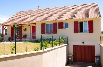 Maison La Chatre &bull; <span class='offer-area-number'>102</span> m² environ &bull; <span class='offer-rooms-number'>6</span> pièces