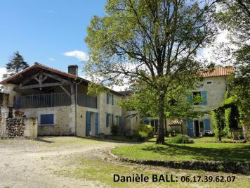 Maison Charras &bull; <span class='offer-area-number'>202</span> m² environ &bull; <span class='offer-rooms-number'>7</span> pièces