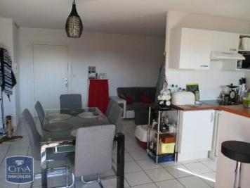 Appartement St Sardos &bull; <span class='offer-area-number'>76</span> m² environ &bull; <span class='offer-rooms-number'>4</span> pièces