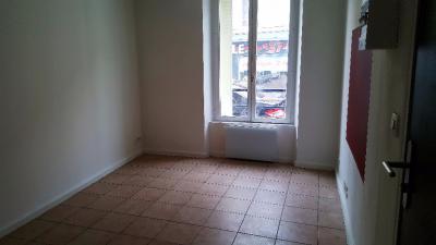 Appartement Longjumeau &bull; <span class='offer-area-number'>20</span> m² environ &bull; <span class='offer-rooms-number'>1</span> pièce