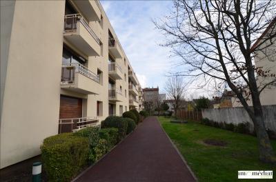 Appartement Rueil Malmaison &bull; <span class='offer-area-number'>15</span> m² environ &bull; <span class='offer-rooms-number'>1</span> pièce
