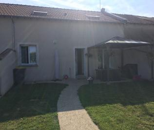 Maison Varennes sur Seine &bull; <span class='offer-area-number'>121</span> m² environ &bull; <span class='offer-rooms-number'>4</span> pièces