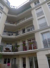 Appartement Maisons Alfort &bull; <span class='offer-area-number'>45</span> m² environ &bull; <span class='offer-rooms-number'>2</span> pièces