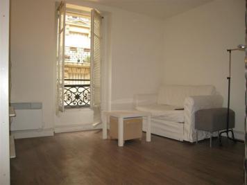 Appartement Paris 18 &bull; <span class='offer-area-number'>16</span> m² environ &bull; <span class='offer-rooms-number'>1</span> pièce