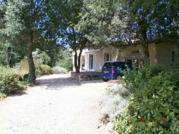 Villa Colombieres sur Orb &bull; <span class='offer-area-number'>140</span> m² environ &bull; <span class='offer-rooms-number'>7</span> pièces