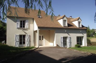 Maison Oinville sur Montcient &bull; <span class='offer-area-number'>220</span> m² environ &bull; <span class='offer-rooms-number'>7</span> pièces