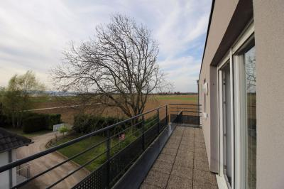 Appartement Geispolsheim &bull; <span class='offer-area-number'>68</span> m² environ &bull; <span class='offer-rooms-number'>3</span> pièces