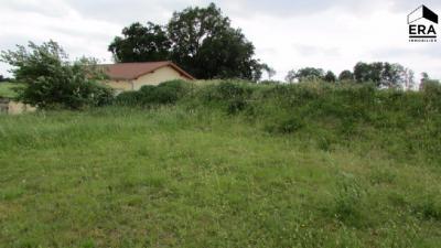 Terrain Montrevel en Bresse &bull; <span class='offer-area-number'>1 301</span> m² environ
