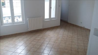 Appartement Troyes &bull; <span class='offer-area-number'>26</span> m² environ &bull; <span class='offer-rooms-number'>1</span> pièce