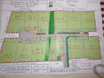 Terrain La Douze &bull; <span class='offer-area-number'>886</span> m² environ