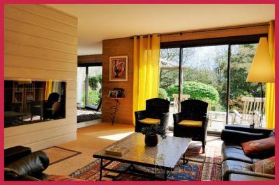 Maison Cholet &bull; <span class='offer-area-number'>257</span> m² environ &bull; <span class='offer-rooms-number'>10</span> pièces