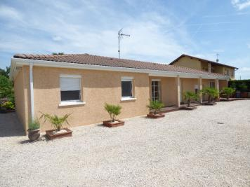 Maison Montrevel en Bresse &bull; <span class='offer-area-number'>149</span> m² environ &bull; <span class='offer-rooms-number'>8</span> pièces