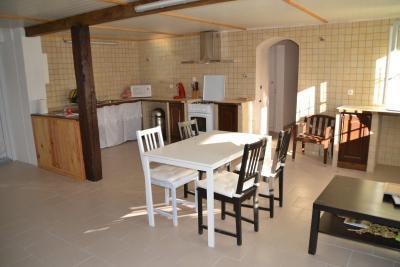 Maison Jonzac &bull; <span class='offer-area-number'>100</span> m² environ &bull; <span class='offer-rooms-number'>4</span> pièces