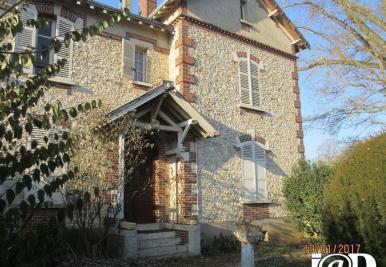 Maison Beville le Comte &bull; <span class='offer-area-number'>160</span> m² environ &bull; <span class='offer-rooms-number'>7</span> pièces