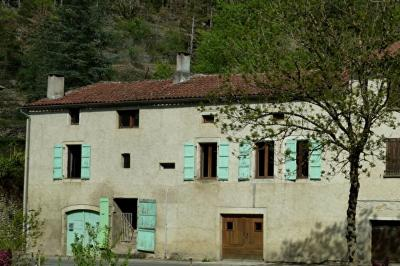 Maison Cahors &bull; <span class='offer-area-number'>157</span> m² environ &bull; <span class='offer-rooms-number'>5</span> pièces