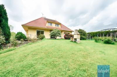 Maison La Petite Boissiere &bull; <span class='offer-area-number'>215</span> m² environ &bull; <span class='offer-rooms-number'>7</span> pièces