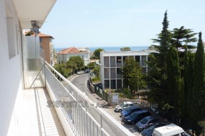 Appartement Antibes &bull; <span class='offer-area-number'>39</span> m² environ &bull; <span class='offer-rooms-number'>2</span> pièces