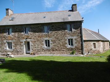 Maison Prat &bull; <span class='offer-area-number'>155</span> m² environ &bull; <span class='offer-rooms-number'>7</span> pièces