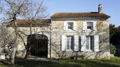 Maison Villars-en-Pons &bull; <span class='offer-area-number'>120</span> m² environ &bull; <span class='offer-rooms-number'>4</span> pièces