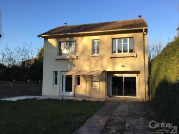 Maison La Celle St Cloud &bull; <span class='offer-area-number'>104</span> m² environ &bull; <span class='offer-rooms-number'>6</span> pièces
