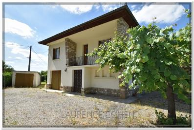 Maison Labastide St Pierre &bull; <span class='offer-area-number'>102</span> m² environ &bull; <span class='offer-rooms-number'>5</span> pièces