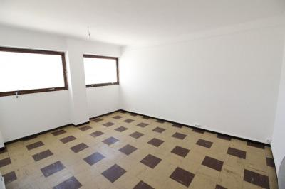 Appartement Marseille 07 &bull; <span class='offer-area-number'>27</span> m² environ &bull; <span class='offer-rooms-number'>1</span> pièce