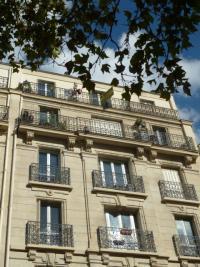 Appartement Paris 20 &bull; <span class='offer-area-number'>11</span> m² environ &bull; <span class='offer-rooms-number'>1</span> pièce