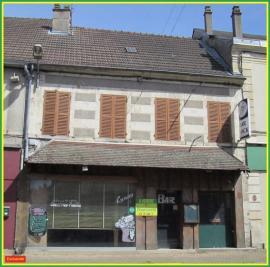 Maison La Guerche sur L Aubois &bull; <span class='offer-area-number'>127</span> m² environ &bull; <span class='offer-rooms-number'>6</span> pièces